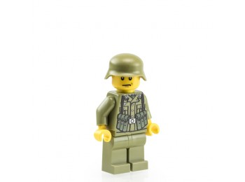 WW2 German Soldier with MP40 - Olive Green
